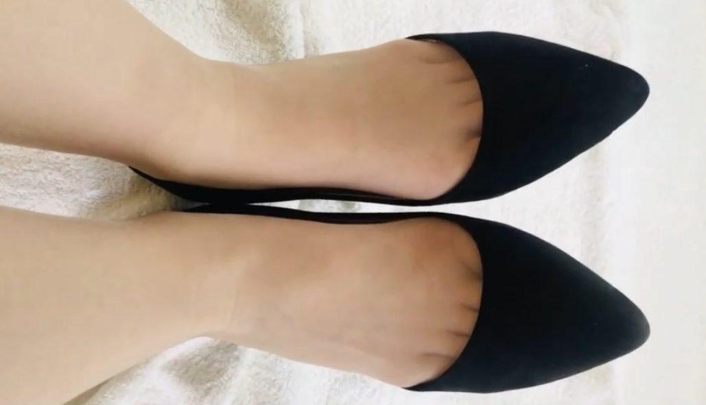 FootJob-Market最新作!25歳OLに超極薄ストッキングを履いてもらった!