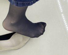 FootJob Market最新作!同僚OLのストッキング美脚を見たくって!また盗撮してみた!