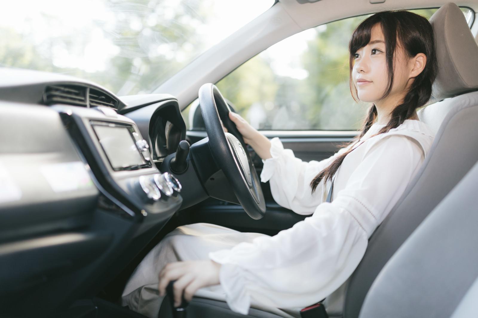 レースクイーンやモデルがパンツマ晒して新車を診断するサイト